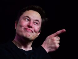 Elon Musk Becomes The World's Wealthiest Man