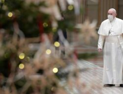 Pope Francis Calls Coronavirus Vaccinations an Ethical Obligation